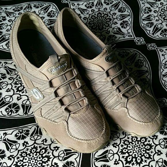 Beige and brown Skechers slip on shoes Cute slip on Skechers shoes, great shape Skechers Shoes Sneakers