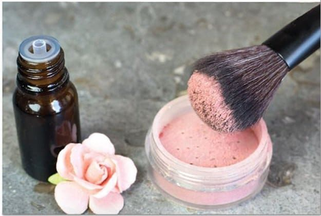 Find out how easy it is to create your very own homemade blush without harmful ingredients, and the best thing is it actually works!