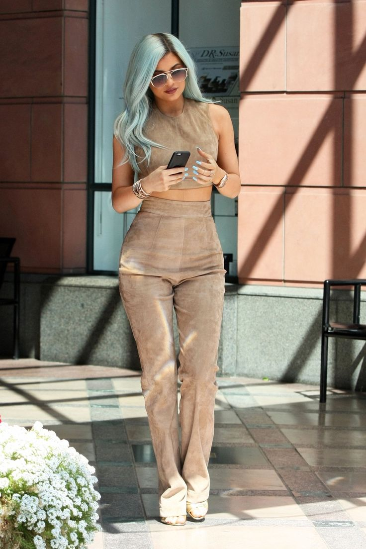 Kylie Jenner out in LA (Jul. 10, 2015)