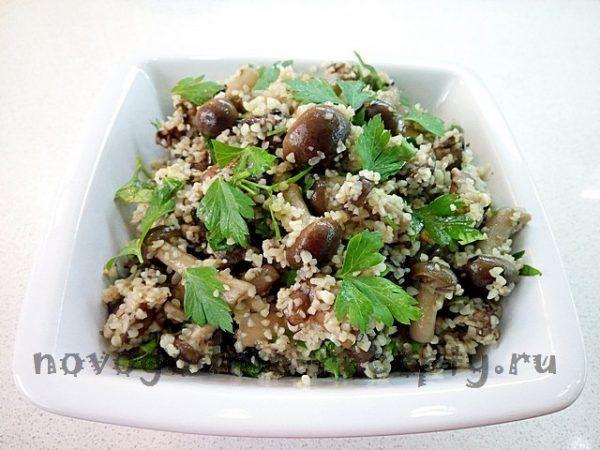 Новогодний рецепт салата из трех видов грибов с кускусом #салаты #рецепты #новогодние_рецепты #кулинария #грибы #портобелло #шампиньоны #кускус