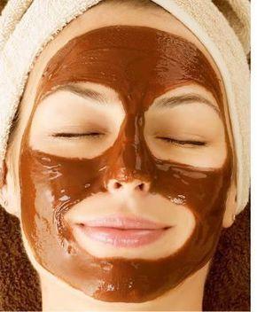 Mascarilla de café para la cara, el cabello, las ojeras y la celulitis