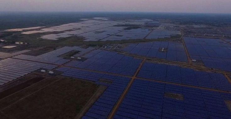 India inaugura la planta solar con mayor capacidad en el mundo # India es uno de esos países que está apostando por las energías renovables, gracias a esto hoy mismo acaban de inaugurar unas nuevas instalaciones fotovoltaicas en Kumathi, ciudad que se encuentra dentro del estado Tamil ... »