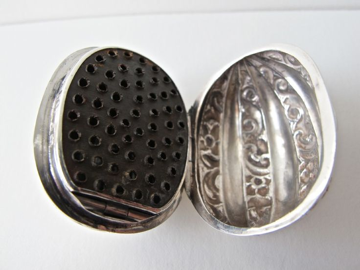 Rare Pristine Novelty Victorian Silver Nutmeg Grater | 241000 | Sellingantiques.co.uk