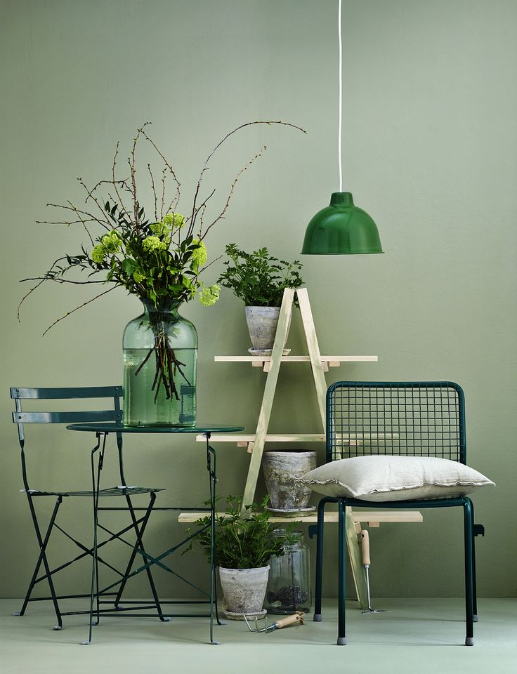 Lovely green color! Grön Vindruva Beckers. Agent Evers. Stylist Anna Malmgren. Photo: Brian Predsrup.