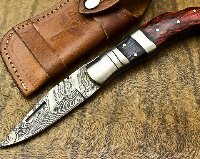 Hunting knife Large 4 1/2 inch blade with beautiful handle