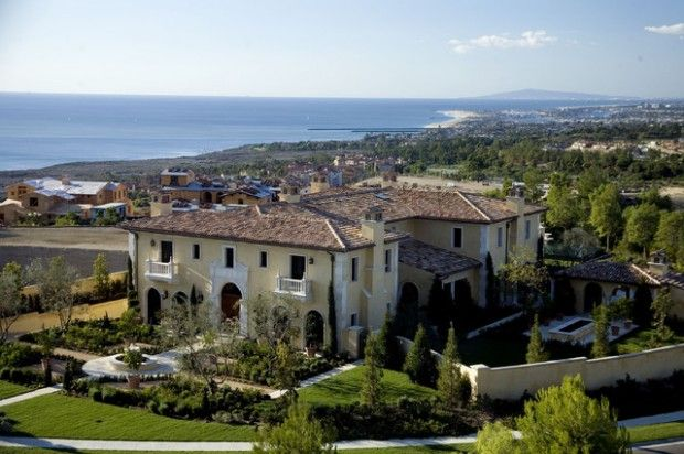 18 Luxury Villa Styles That Look Spectacular - http://www.dailywomanmag.com/decor-ideas/18-luxury-villa-styles-that-look-spectacular.html