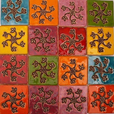 kolorowe dekory ścienne 10x10cm  wykonane ręcznie w pracowni ceramiki dekornia.pl
