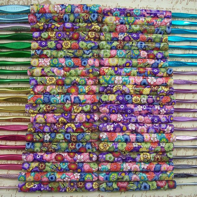 Polymer Clay Covered Crochet Hooks, by polymerclayshed by cag_crafts, via FlickrPolymer Clay Crochet Hooks, Clay Covers, Fimo, Friends, Covers Crochet, Clay Handles, Crochethook, Knits, Crafts