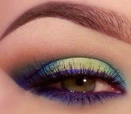 Maquillaje de ojos precioso y paso a paso | Manoslindas.com