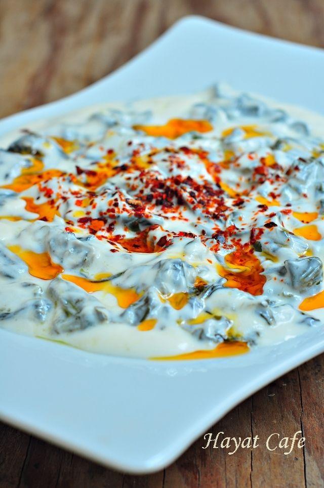 Yoğurtlu Pazı Salatası