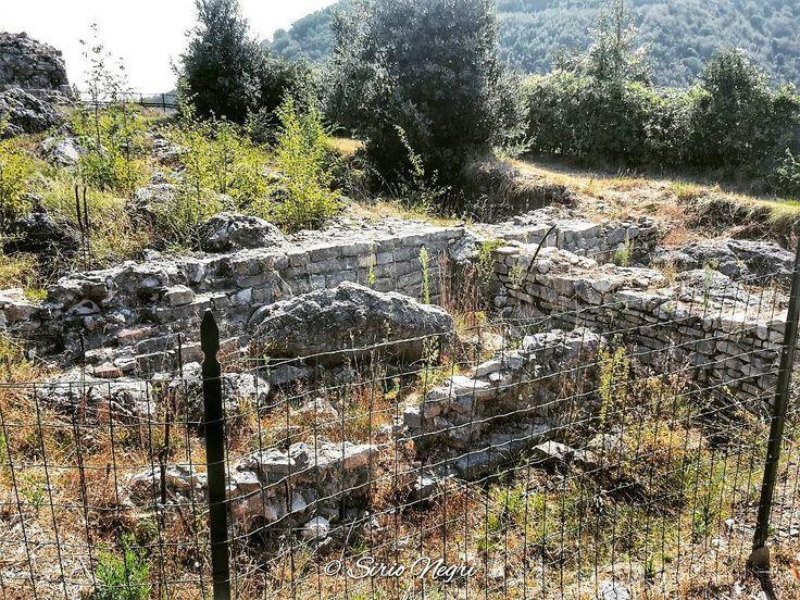 I ruderi del castello di Carpena
