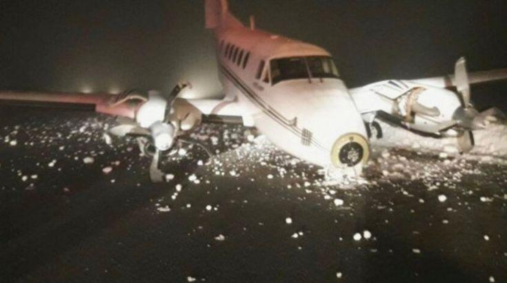 Un avión privado se accidentó en Bariloche: Una aeronave privada sufrió un percance al aterrizar. Los dos ocupantes resultaron ilesos.…