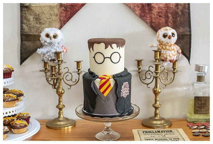 Wesley S Colorful Harry Potter Themed Birthday Party Love Inc Mag Harry Potter Theme Party Harry Potter Birthday Harry Potter Decor