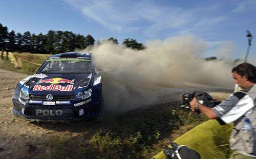 Sébastien Ogier gana el Rally de Polonia  Sébastien Ogier afianza su liderato el frente del Campeonato del Mundo de Rallys tras imponerse en el Rally de Polonia. El podio de la séptima prueba del mundial lo completaron Mikkelsen, que apretó de lo lindo a la estrella francesa de Volkswagen, y Tanak.