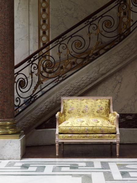 Pompadour Lampas De Style Louis XV De La Maison TASSINARI U0026 CHATEL à  Découvrir Dans Le