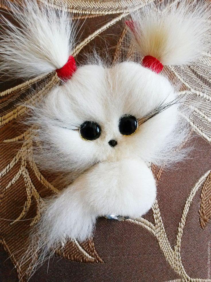 Купить Меховая брошь Совенок - белый, совенок, сова в подарок, брошь из меха, осенняя брошь