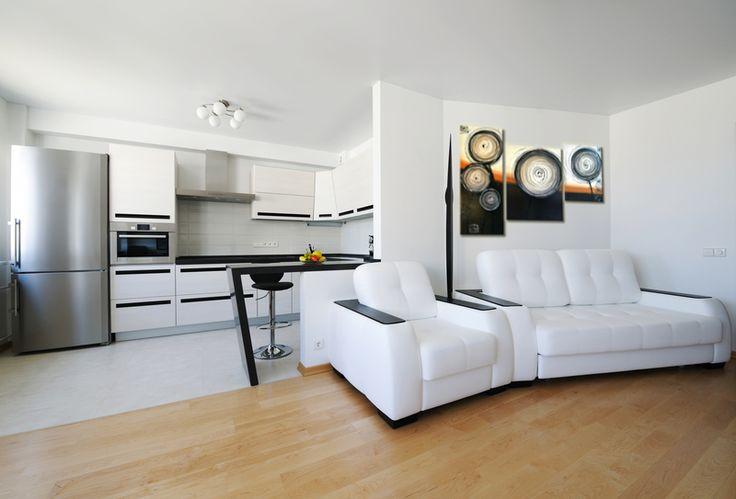 A vászonkép a modern lakberendezés egyik elhagyhatatlan eleme, hiszen kreatív, egyedi megoldásokat garantál, miközben otthonossá, egyedülállóvá varázsolja házunkat, különleges légkört teremt, így a lakásból otthon, a konfekció bútorokból egyedi hangulatú szekrénysort varázsol.       Minimalista egyedi kreációk  ...