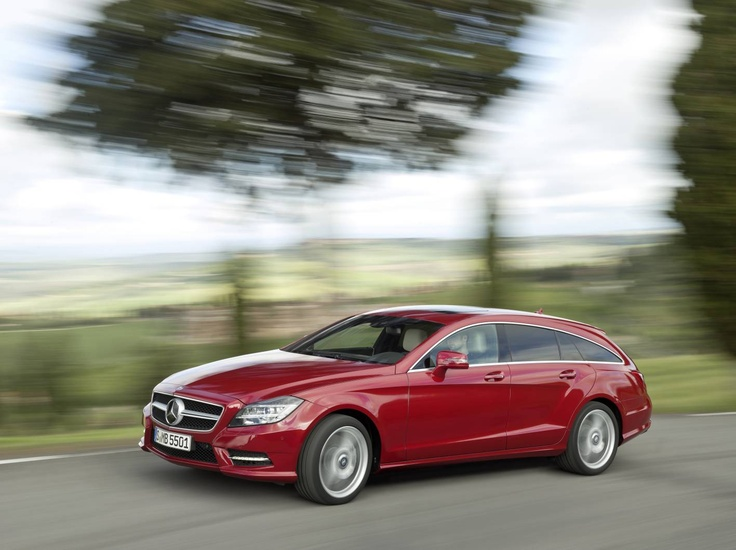 Even saving fuel is made easy in the all new CLS Shooting Break: The standard ECO start/stop function switches the engine off automatically when the vehicle is stationary.