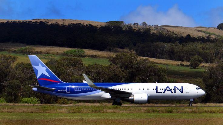 LAN AIRLINES - Aeropuerto Mataveri -  Easter Island - Isla de Pascua.