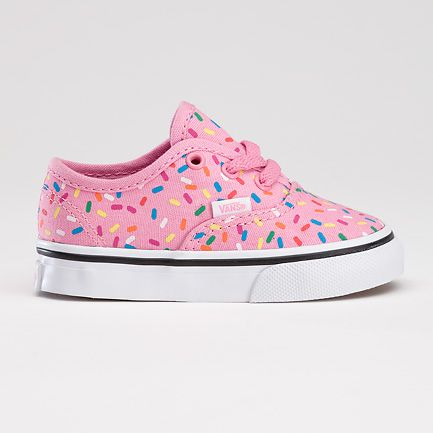 Greatest shoes for wee ones ever. Skate shoes are the best, especially when they are cup cake themed.