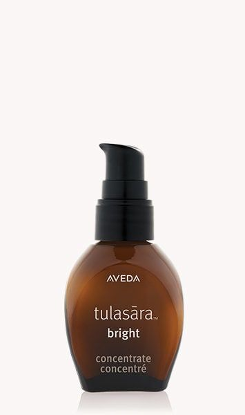"""Instantly restore radiance and visibly even skin tone and reduce discolouration over time with <STRONG>bright concentrate</STRONG>, a 98% naturally derived* treatment serum. liquorice root extract, a traditional Ayurvedic ingredient, helps reduce the appearance of discolouration, providing a more even looking skin tone. Dermatologist-tested. Non-acnegenic. For all skin types. means """"moving toward balance"""" in Sanskrit.<BR><BR><SPAN style=""""FON..."""