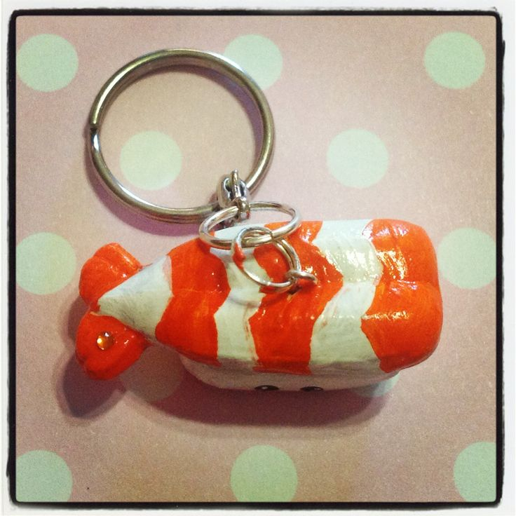 Prawn Sushi Keychain! It can be used to hold your keys, or decorate your bag! It is approx. 3.5cm long, 1.5cm wide and 1.5cm thick.   Please keep out of reach of people who may mistaken this for real food - as it is in edible in every way! ^_^  *** Please remember that this is a hand crafted ...