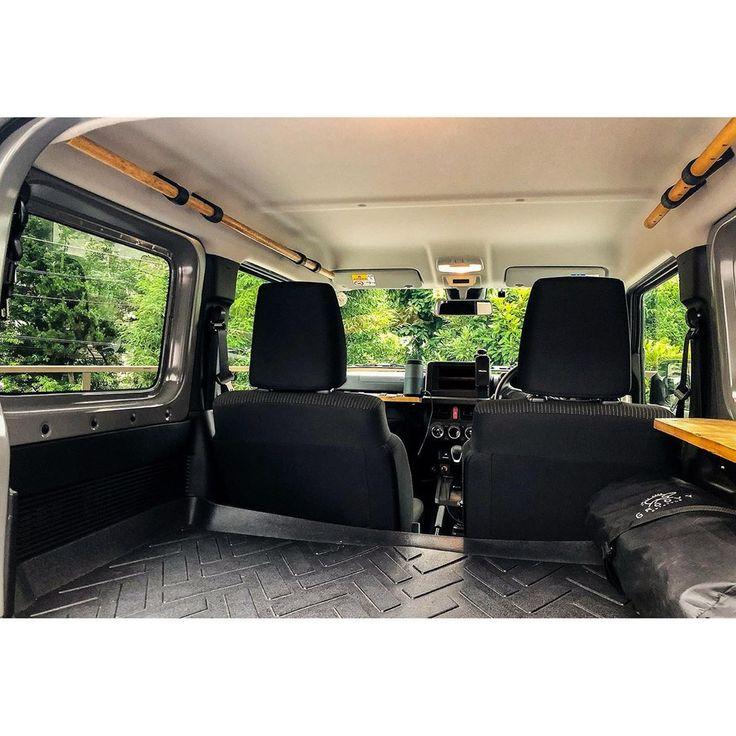 Jimny Kouはinstagramを利用しています 030 助手席側アシストグリップ ロング 以前に後部のアシストグリップを外し 丸棒 木材 に交換したのだが 助手席のアシストグリップのみが純正となり 車内で少しういてしまっていたので 助手席側のアシストグリ