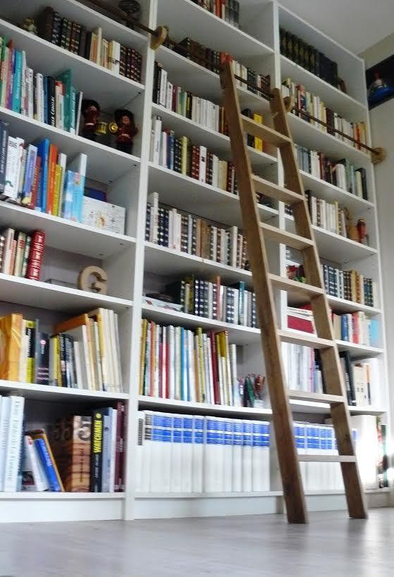 Les 25 meilleures id es de la cat gorie chelle de biblioth que sur pinterest - Echelle coulissante pour bibliotheque ...