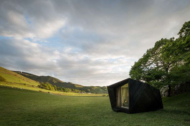 Completed in 2017 in Llanfihangel-y-pennant, United Kingdom. Images by Miller Kendrick Architects. . Miller Kendrick have completed the build of their competition winning entry for a of 'pop-up hotel' cabin located at Castell y Bere, Wales. The...