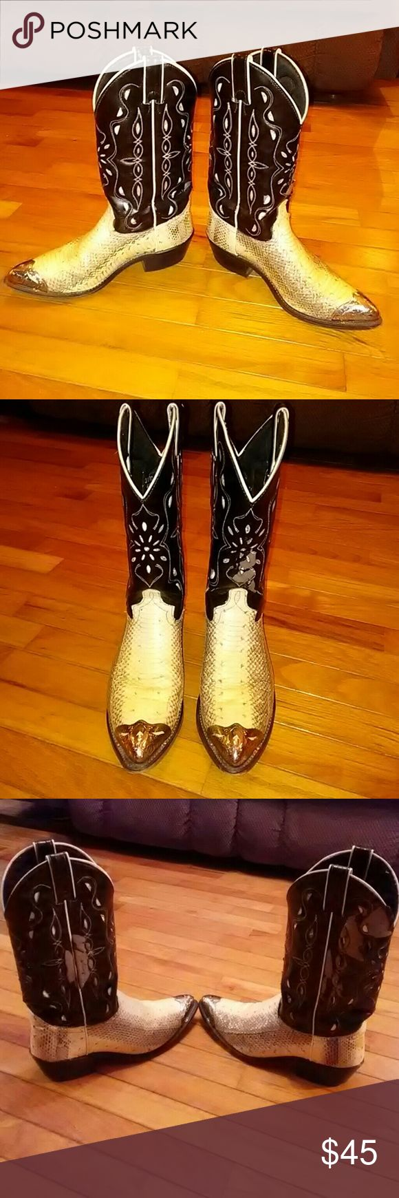 Men's cowboy boots Snakeskin cowboy boots size 7 1/2 D. Has wear on upper part of both boots as shown in pictures. Snake shin is in like new condition. Durango Shoes Cowboy & Western Boots