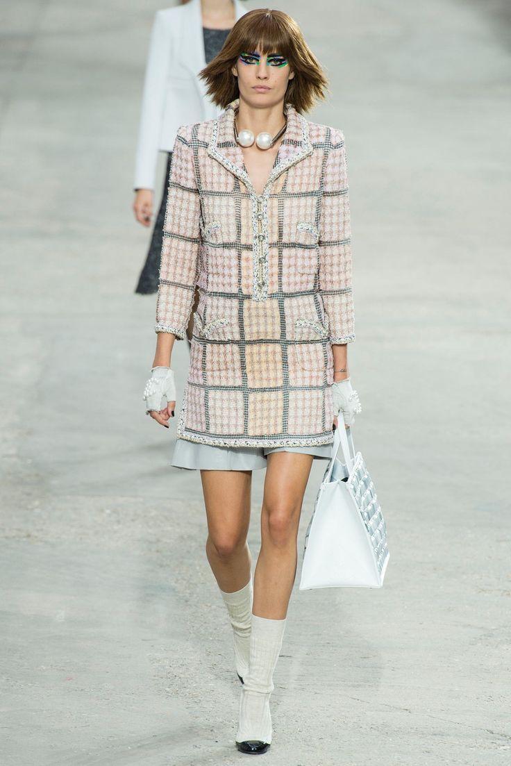 Chanel Spring 2014 Ready-to-Wear Fashion Show - Nadja Bender (OUI)