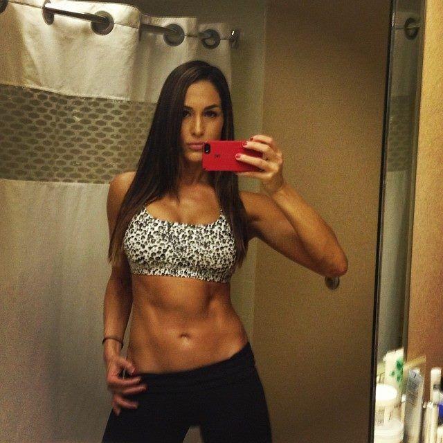 my dream body.. nikki bella | Brianna & Nicole Army ...