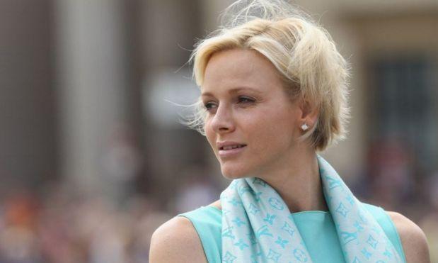 Prinses Charlene oog in oog met grootste rivale - Beau Monde