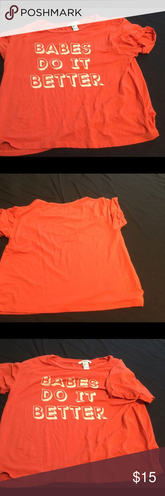 Woman's short sleeve orange t size L forever 21 EUC, size large but this shirt isn't long, more wide than long. I wore a tank underneath and it was perfect Forever 21 Tops Tees - Short Sleeve