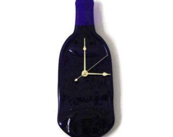 Reloj de pared de la botella de vino por MagicOfArtGlass en Etsy