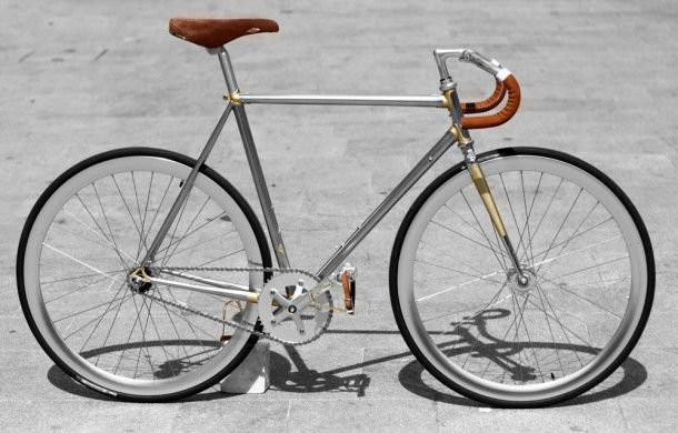 Woh, this bike looks a lot like mine. Same colour combinations - even the same Selle Rolls seat. And this one even has a bunch of gold little details which i always dream about.  The wheels are black (mine white), yes, but there are white rims. Creepy.