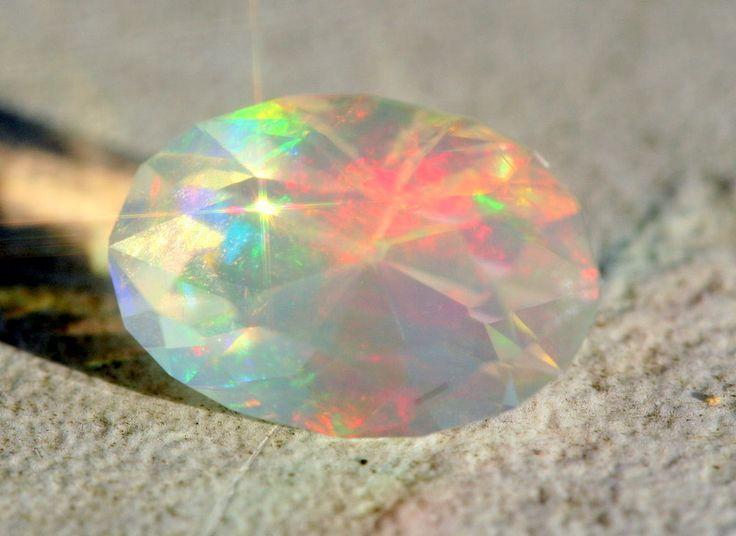 **sol1.4cmuseum~ master facet precious crystal opal ethiopia