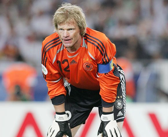 Oliver Kahn - Golden Glove Winner 2002. Get your FREE DOWNLOAD of the SportsQuest app at www.sportsquestapp.com @SportsQuestApp
