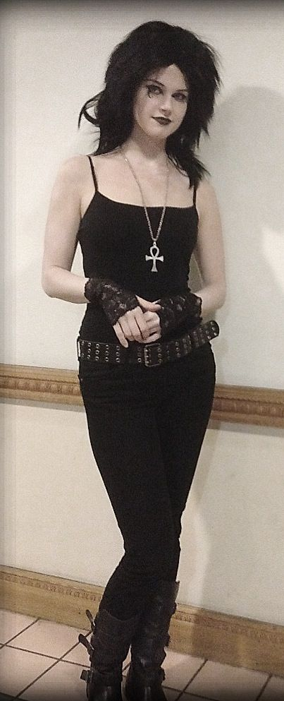 Death cosplay from Neil Gaiman's Sandman graphic novels