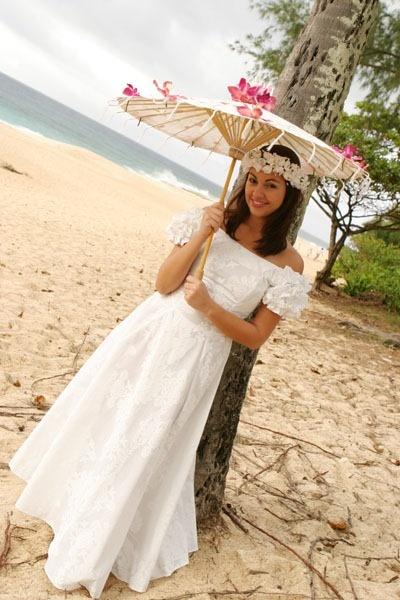 25 cute hawaiian wedding dresses ideas on pinterest for Hawaiian wedding dresses informal
