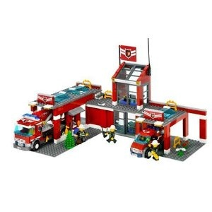 black friday 2014 lego city fire station from lego cyber monday black friday specials on the season most wanted christmas gifts - Lego Pompier
