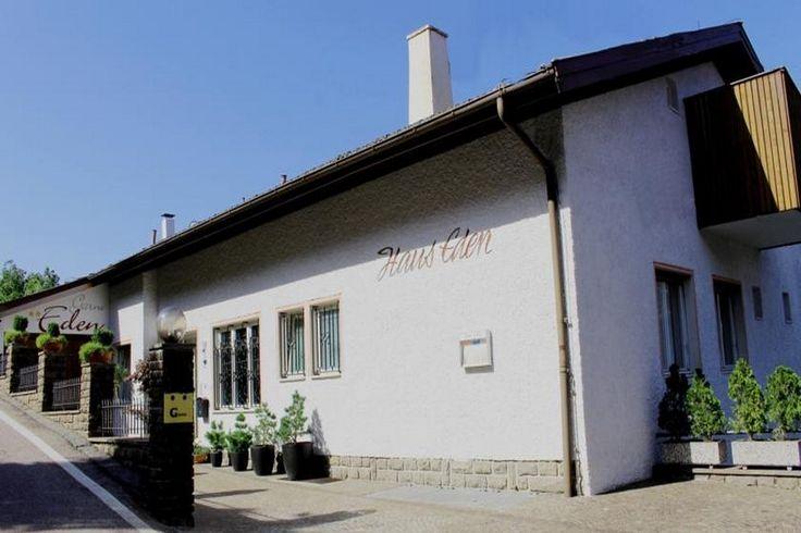 Herzlich willkommen im Garni Eden Das Garni Eden ist ein Haus zum Wohlfühlen, die Unterkunft Garni Eden befindet sich in Schenna, Italien.