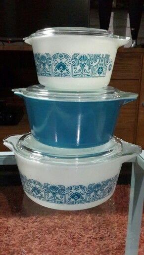 Vintage pyrex blue horizon casserole dish