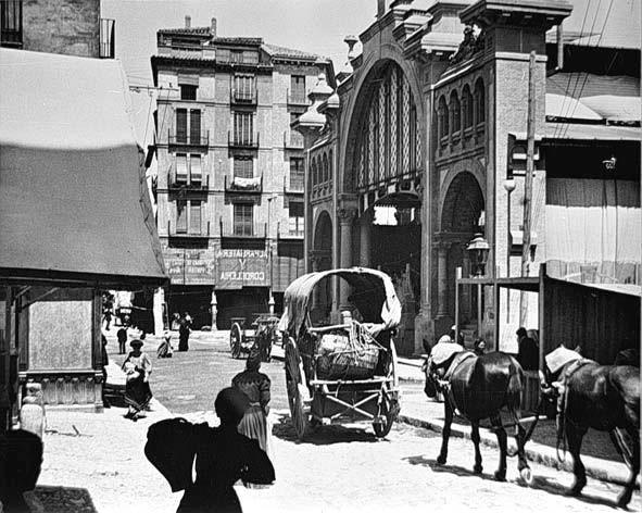 Así se veía el Mercado Central de Zaragoza hace muchísimos años :)