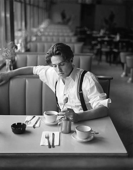 Classic Hugh Grant~coffee shop...and everytime again n again , I fall in love. I like him I don't care what anyone says.