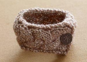 Knit bracelet pattern: Lion Branding, Knits Crochet, Free Pattern, Knits Patterns, Branding Yarns, Bracelets Patterns, Glitter Bracelets, Glitter Knits, Knits Bracelets