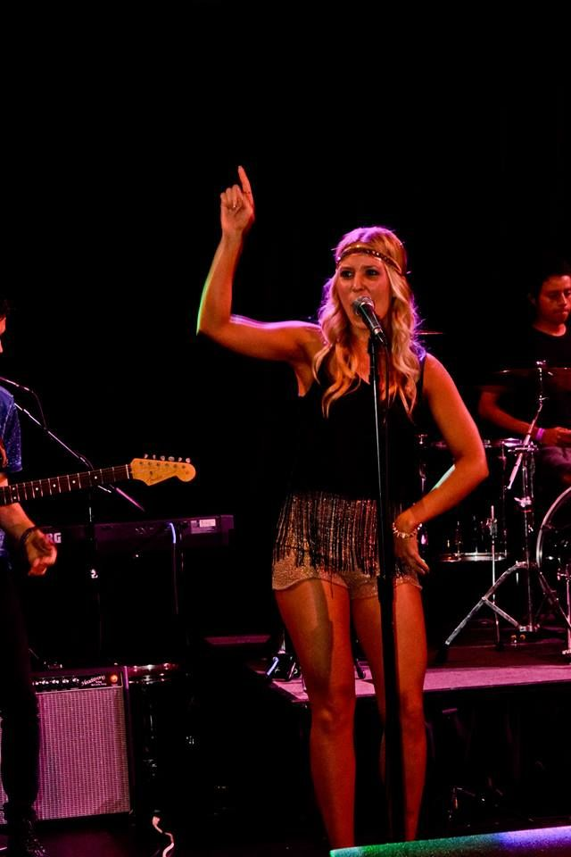 Bailey performing with Blontourage at Fantasy Springs Resort Casino.