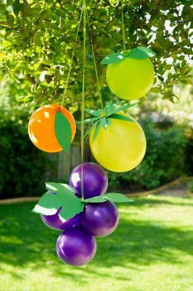 Frutas con globos