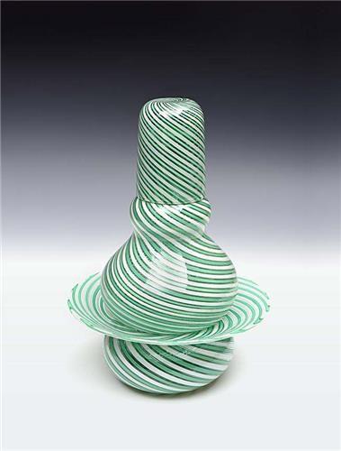 Nişantaşı Müzayede-İtalyan 19. Yüzyıl Venedik İmalatı Çeşm-i Bülbül Stili Kristal Gece Sürahisi Takımı 28 cm Açılış fiyatı : 4,000 TRL 1,369 USD 1,273 EUR 909 GBP