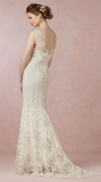Alluring Lace Sheath V Neck Neckline Natural Waistline Wedding Dress